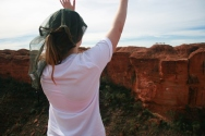 Kings Canyon: Steph waving to the tour group across the canyon